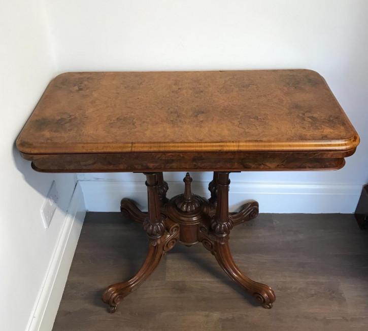 Antiker viktorianischer Spieltisch Nussbaum britisch ca 1850