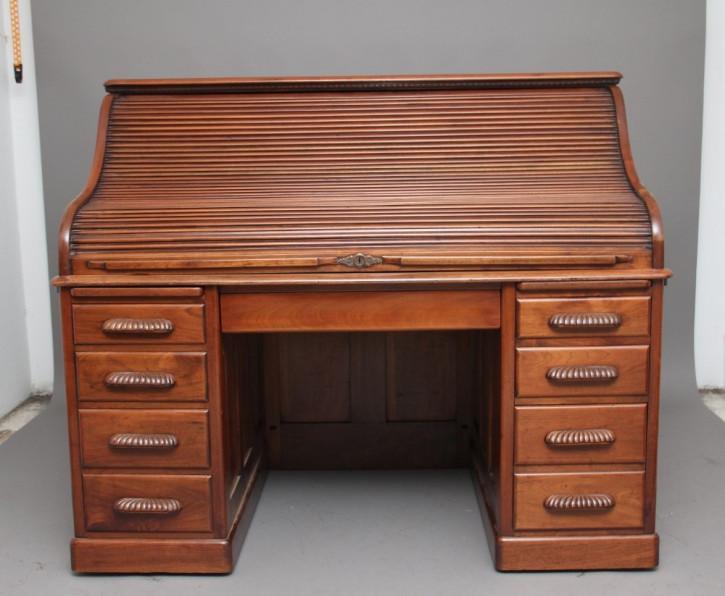 Antiker britischer Nussbaum Schreibtisch Rolltop Desk ca 1910