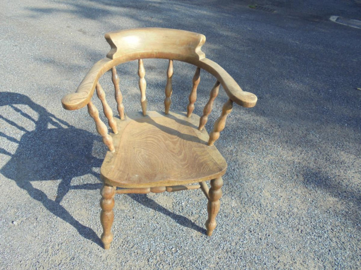 Antiker britischer Ulme Eschen Stuhl Windsor Landhaus ca 19. Jh
