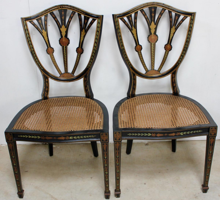 Englisches Antikes Paar ebonisierte Stühle ca. 1920