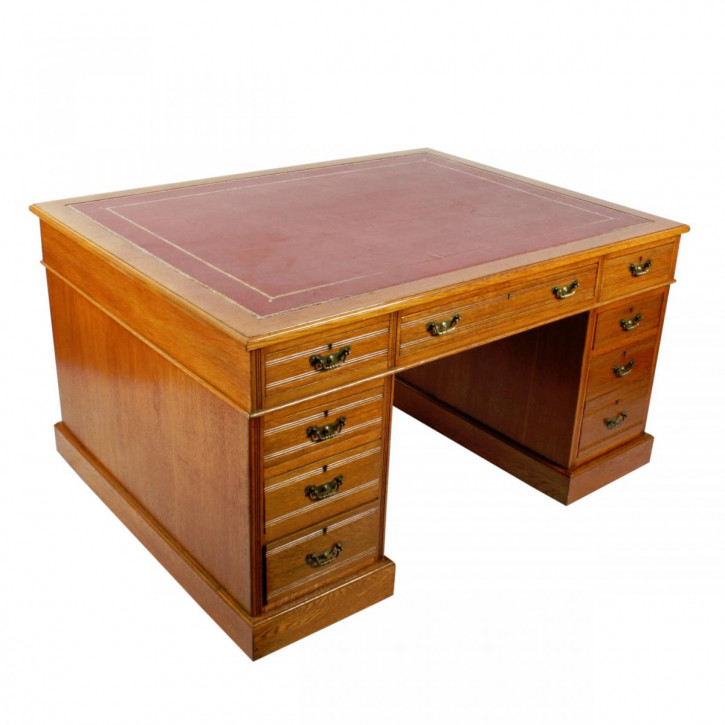 Antiker Viktorianischer Englischer Eichen Partner Schreibtisch ca. 1880