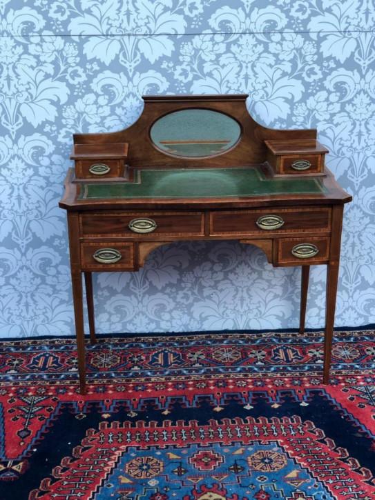Viktorianischer Englischer Intarsien Mahagoni Damen Schreibtisch ca. 1860