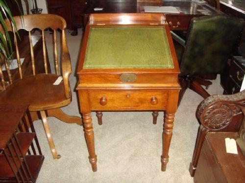 Viktorianischer Englischer Mahagoni Schreibtisch antik ca. 1860