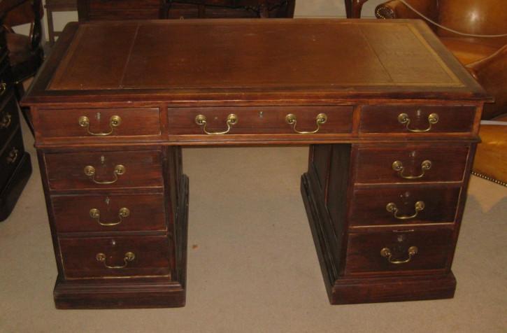 Englischer Antiker Kiefernholz Schreibtisch ca. 1900