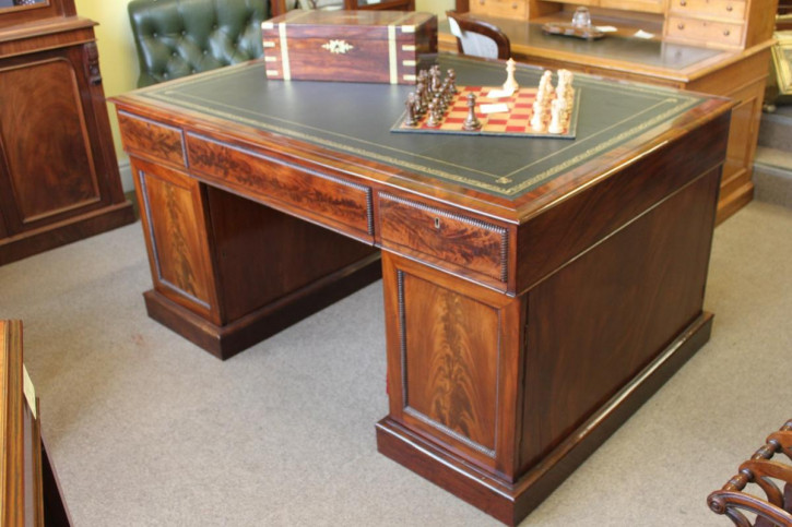 Antiker britischer Mahagoni Schreibtisch Regency ca 1825