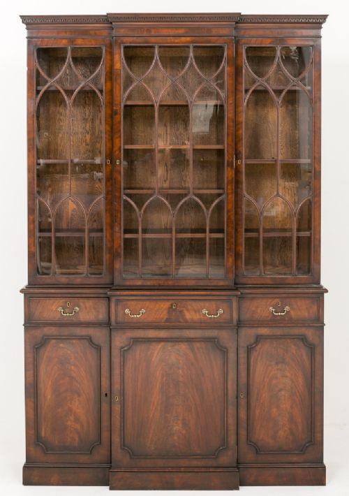 Antiker britischer Mahagoni Bücherschrank Breakfront ca 1920