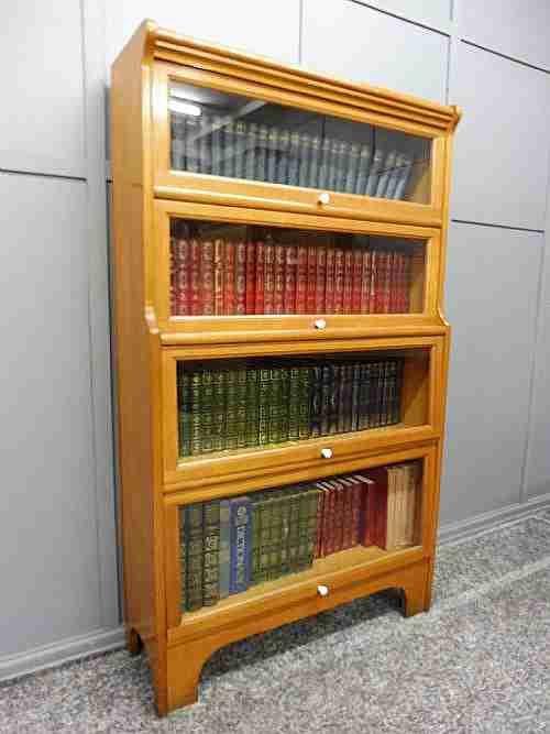 Englisches antikes Bücherregal Globe Wernicke Satinwood ca 1920