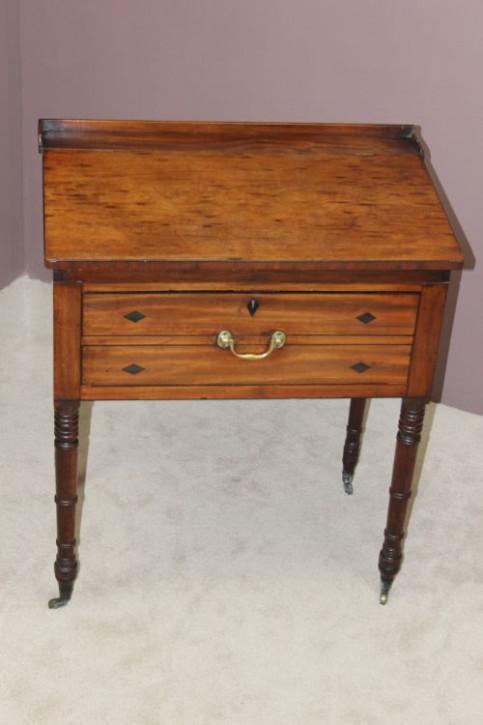 Georgianischer Schreibtisch antik 18 Jahrhundert