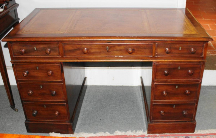 Viktorianischer Mahagoni Schreibtisch antik ca 1870