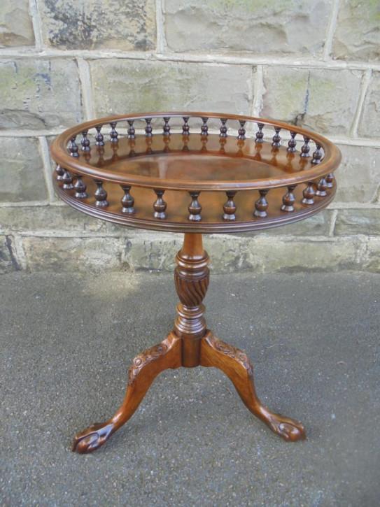 Weintisch aus Mahagoni