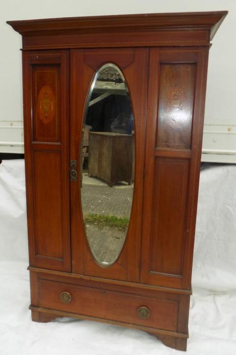 Edwardianischer Kleiderschrank mit einer Tür