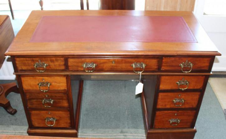 Viktorianischer Walnuss Schreibtisch