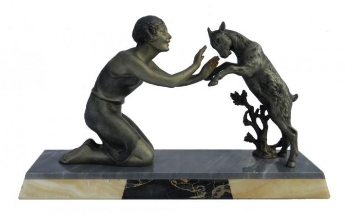 Art Deco Statue Figur Französisch Mädchen mit Ziege Antik mit Marmor/Onyxsockel, ca. 1930