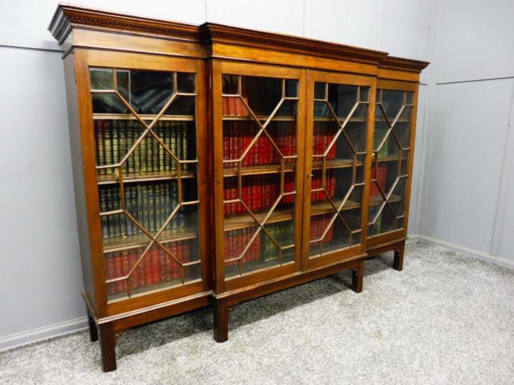 Mahagoniholz breakfront Bücherregal, edwardian Stil