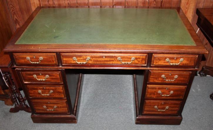 antiker Mahagoni-Sockel Schreibtisch, viktorianisch