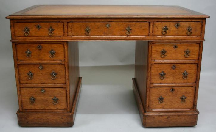 Schreibtisch aus Eichenholz aus dem 19. Jahrhundert