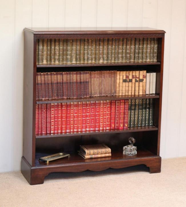 Offener Bücherschrank Mahagoni Massivholz antik ca. 1900