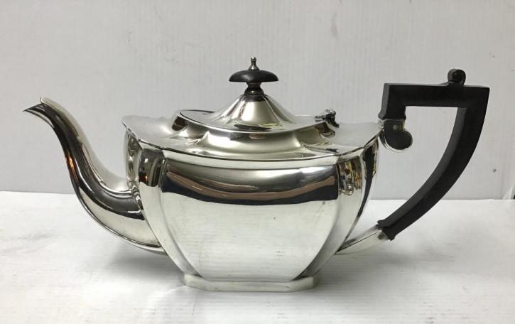 Antike Teekanne aus massivem Sterlingsilber