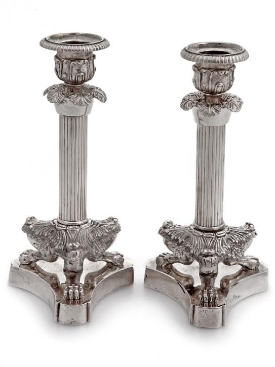 Paar viktorianische Kerzenleuchter auf drei Pfotenstützen