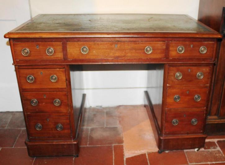 Kleiner antiker Pedestal Desk / Schreibtisch aus Mahagoni, viktorianisch, ca 1860