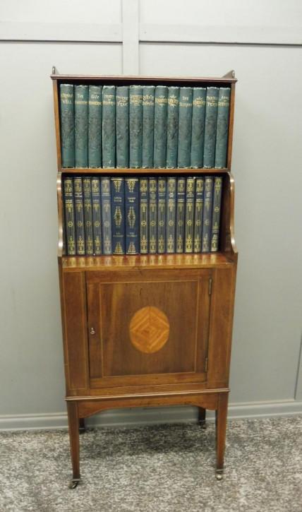kleines edwardian inlay Bücherregal 1910