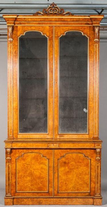 Antikes  Bücherregal aus Nussbaum und vergoldetem Holz