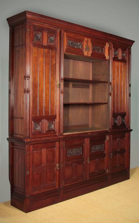 Sehr großes Nussbaum Bücherregal von Gillow & Co. ca. 1880
