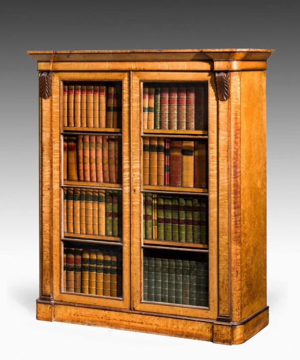 antike Birkenbibliothek Anfang des 18. Jahrhunderts