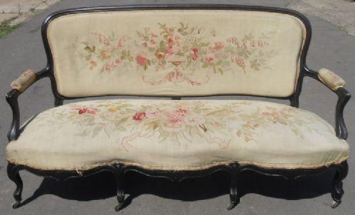 antikes französisches Salon-Sofa aus Walnussholz