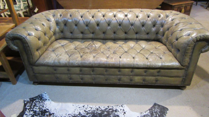 Sofa antik Ledersofa Chesterfield ca. 1890