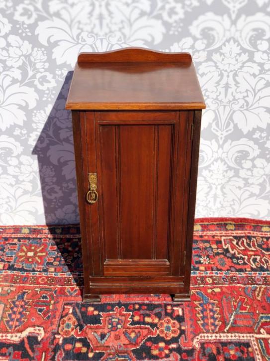 Antiker viktorianischer Mahagoninachttisch