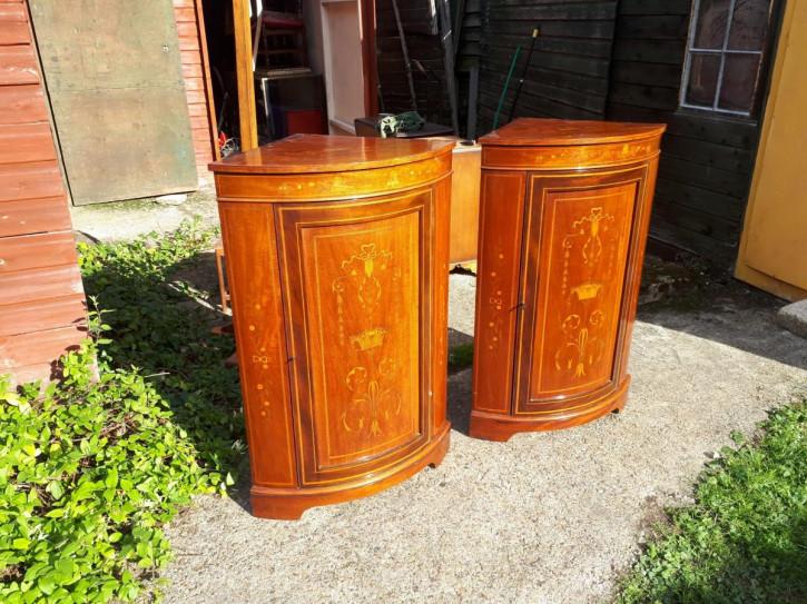 Paar Eckschränke Mahagoni antik Massivholzschränke Edwards & Roberts ca. 1890