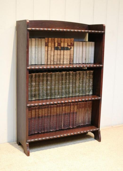Kleine offene Bücherregale aus Eiche Massivholzregale mit Herstelleretikett Waring & Gillows, antik ca. 1920