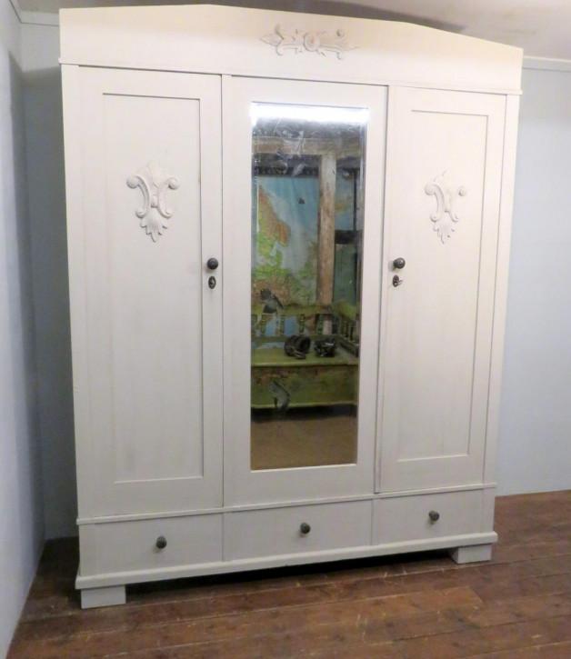 antiker bemalter Kiefernkleiderschrank, Spiegelkleiderschrank um 1900