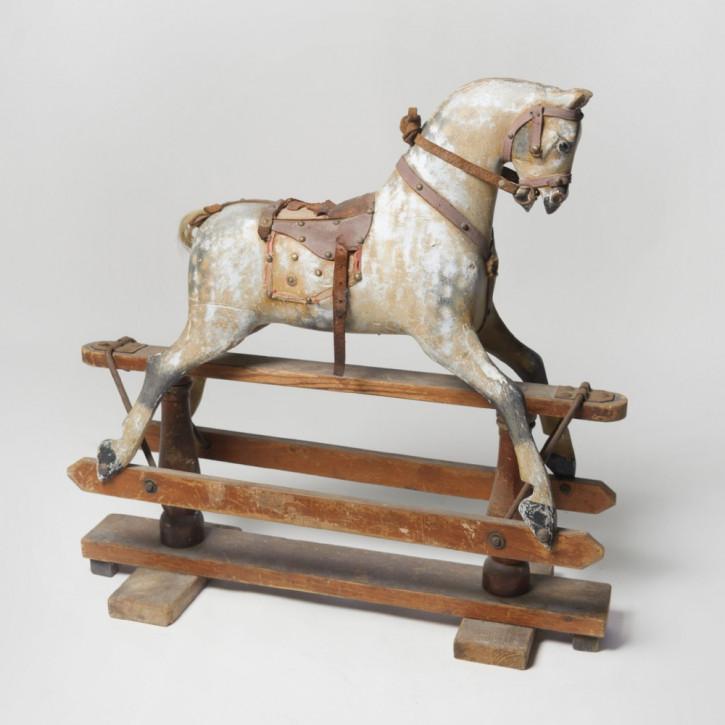 Englisches Massivholz Schaukelpferd antik ca 1910