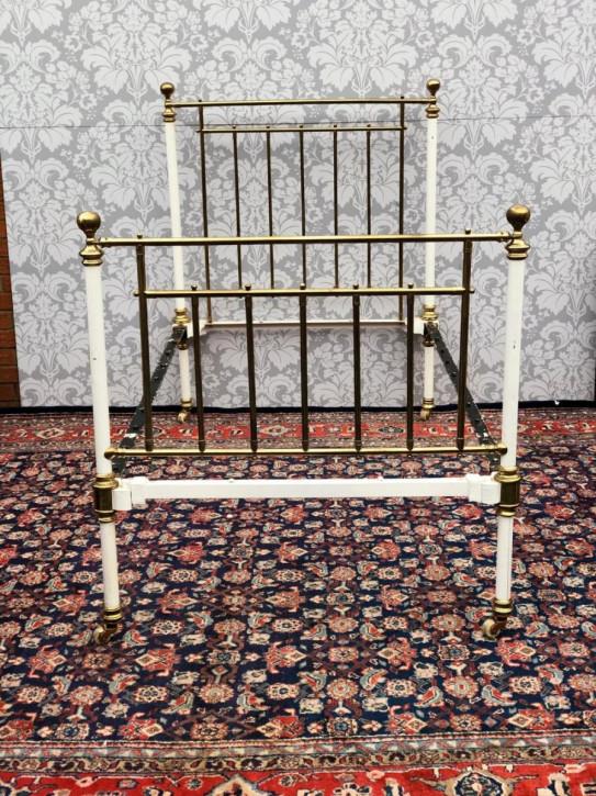 Antikes viktorianisches Messing und Eisen Bett