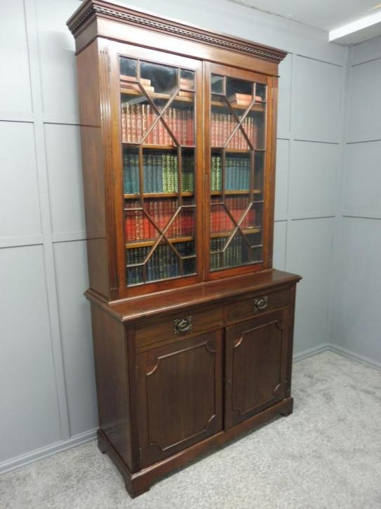 Mahagoni Bücherschrank verglast Massivholz antik ca 1890