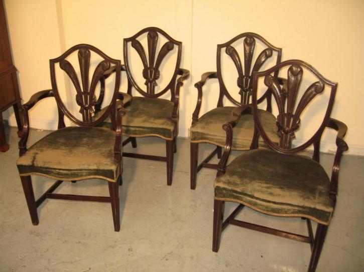 Set von 4 Mahagoni Stühlen Massivholz antik ca 1900