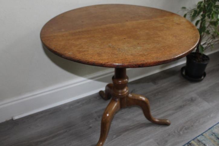 George III Tisch rund, aus Eichenholz mit kippbarer Tischplatte antik ca. 1890