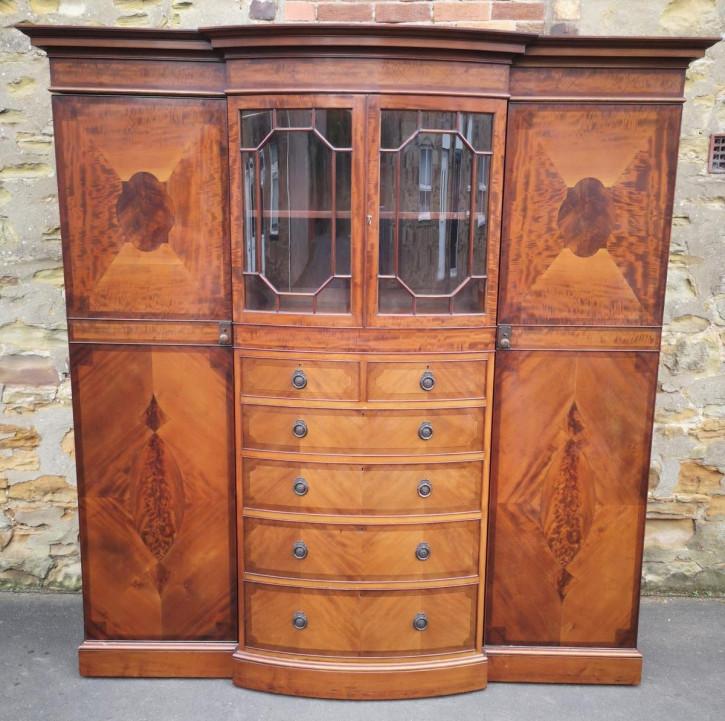 Antiker großer Mahagoni Kleiderschrank / breakfront wardrobe, edwardianisch, ca. 1900