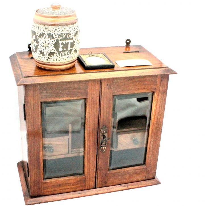 Mr. Topping's Smoker's Cabinet / Raucher Schränkchen aus Eiche, antik, ca. 1890