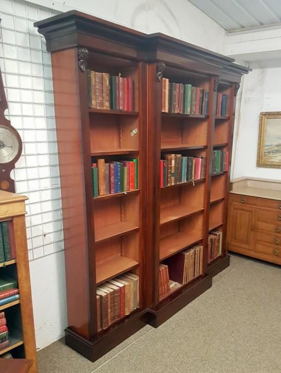 großer, antiker Bücherschrank Mahagoni Massivholz viktorianisch