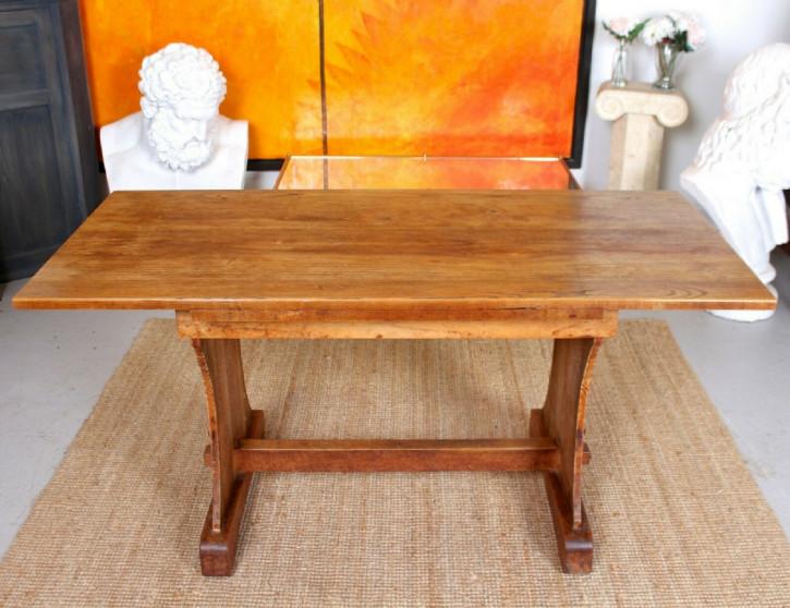 Antiker Esstisch aus Eichenholz