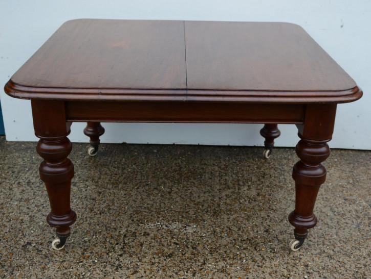 antiker Esstisch aus Mahagoni Massivholz 1870