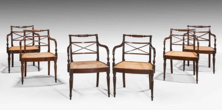 Satz von sechs Mahagoni-Armlehnenstühlen aus der Zeit von George III
