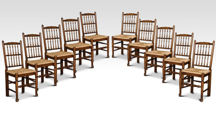 Set mit zehn Stühlen mit Spindelrücken aus Lancashire, ca. 1910