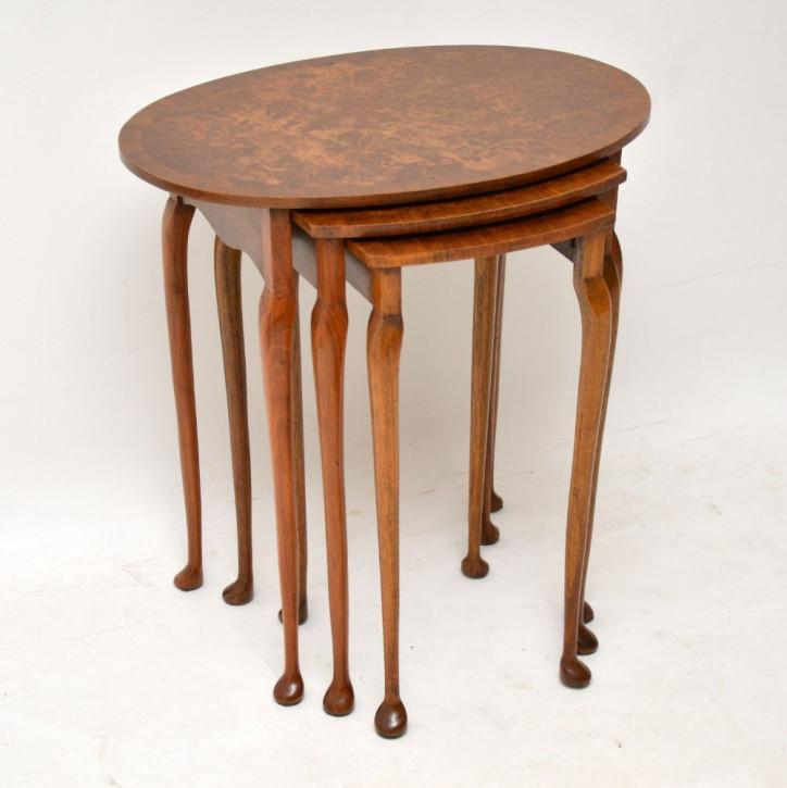 Antikes Set aus drei ovalen Walnuss Tischen