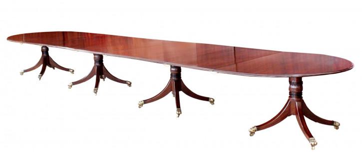 Antiker Mahagoni Esstisch aus der Zeit George III, stehend auf vier Sockeln