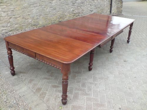 Antiker ausziehbarer Esstisch aus Mahagoni, England um 1820