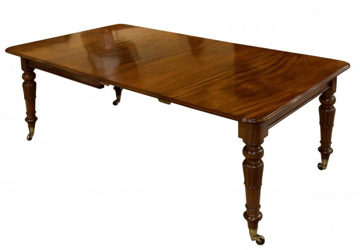 Außergewöhnlicher und originaler zweiblättriger Esstisch aus Mahagoni um 1830